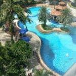 Photo de Cholchan Pattaya Resort