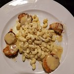 Scallops with mac & cheese