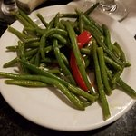 String beans with peppers and garlic