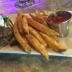 "Gyro & ""Greek fries"""