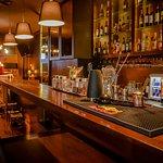 Bar, Cocktails, Gins, Sangrias, Vinhos, Champanhes & Espumantes, Tapas & Petiscos