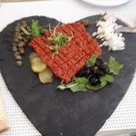 Tartar in Herzform - schön dekoriert