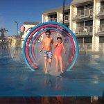 kids at the splash park