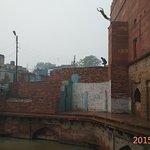 Water Tank Near next to Bulad Darwaza Gate - Kids Jumping