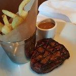 Photo de The Restaurant Bar & Grill