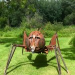 Un des insectes en Métal