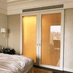 Flexible sliding doors