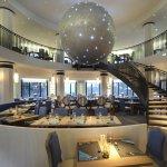 Voici une des salles à manger il y en a 4 une salle automne, été, printemps, hiver+ décoration a