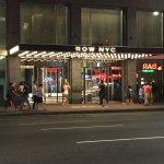 Photo de Row NYC Hotel