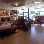 M & E Fine Art Gallery