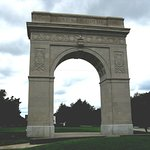 Huntington Memorial Arch honors war veterans
