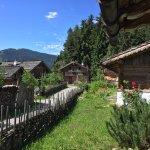 Traumhafter Ausblick und Romantik pur in den 16 Chalets des Berg Dorf Priesteregg.