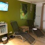 Zimmer Amazonas Wasserbett, Whirlpool im Zimmer und privater Sauna. Großzügige Dusche. Top Servi
