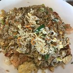 Deliciously fried rice and Hokien noodle.