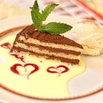Gâteau au chocolat & sa glace vanille, tout est fait maison, Tip-Top!!!