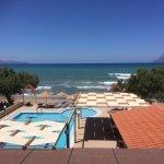 Photo de Mesogios Beach