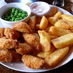 scampi chips & peas