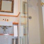 Full Shower and Bath in Luxury Garden Suite