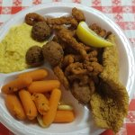 Fried 3 platter meal with cheesy grits and carrots