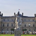 the statue in front of the palace