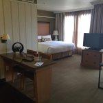 Photo de Gainey Suites Hotel