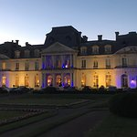Le château d'artigny.... très calme on peu attendre de très loin le TGV....  le seul bémol le sp