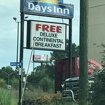 Photo de Days Inn Forsyth