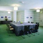 Carlton Meetingroom 01 EFall
