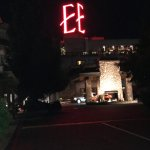 Photo de The Edgewater, A Noble House Hotel