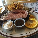 Photo de Foster's Family Steak House