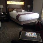 Room 462 - Queen