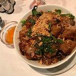 Un menu bò bún à un prix correct, et bien garni et copieux ! 😊
