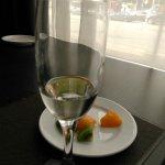 Шампанское с фруктами