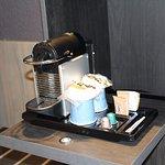Machine Nespresso disponible en chambre.