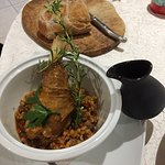 Souris d'agneau de Provence cuite longuement, petit épautre du Ventoux et jus d'agneau réduit