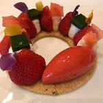 Strawberry and Breton biscuit dessert