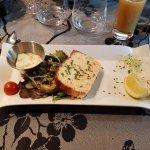 Entrée ; La terrine de poisson et sa sauce tartare (meilleur avec une mayonnaise)