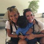 Mi hijo Lucca con Laura y Marina.