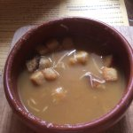 Soupe au chicon , fricandelle , poulet maroilles, dessert gauffre