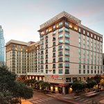 Stay 1 block from the Austin Convention Center and 1 block from historic 6th St.