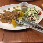 Photo de Uptown Restaurant