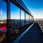 Bilde fra Top Floor Bar & Restaurant