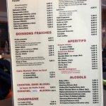 Les cartes des menus , dessert et boissons.