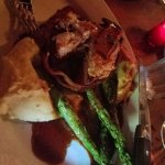 filet mignon with mashed & asparagus