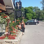 Quaint, lovely Hotel walking distance to the center of NOTL