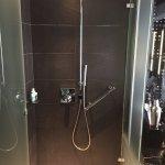 Spectacular Room - Room 418 - Shower