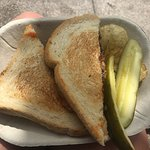 Foto de Mom's Grilled Cheese Truck