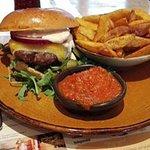 Φωτογραφία: Cowboys Burger Saloon