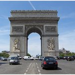 iconic Arc de Triomphe