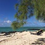 Ilot Mangenie (The resort's private island)